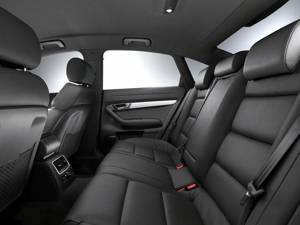 Zadnji sedeži Audi A6 limuzina